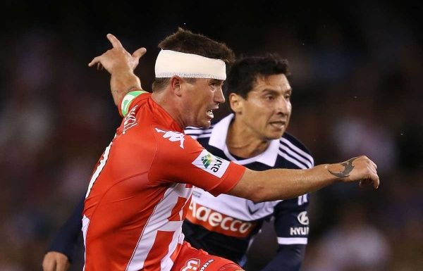 Harry Kewell in action for Melbourne Heart.