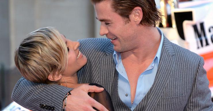 Chris Hemsworth (R) and Elsa Pataky