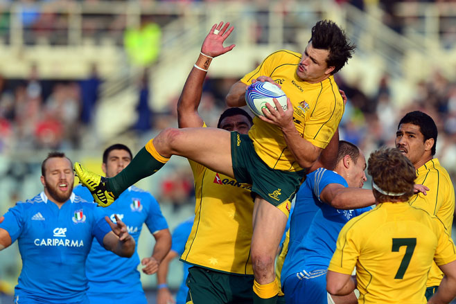 Adam Ashley-Cooper in action against Italy