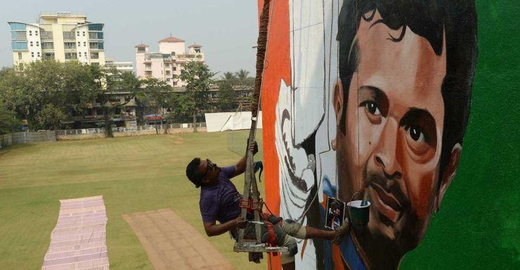A mural goes up in Mumbai in preparation for Sachin Tendulkar's last Test.