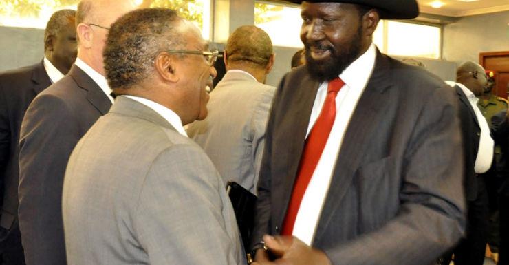 South Sudan's President Salva Kiir (R)