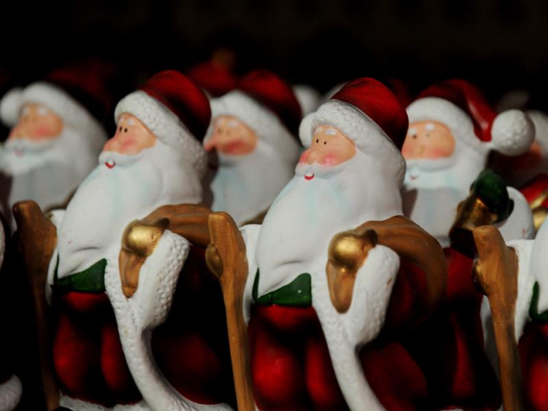 Santa statues