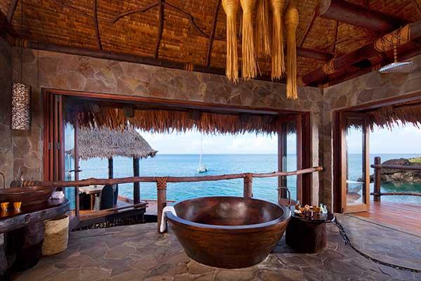 Overwater-Villa---Bathroom-(2)