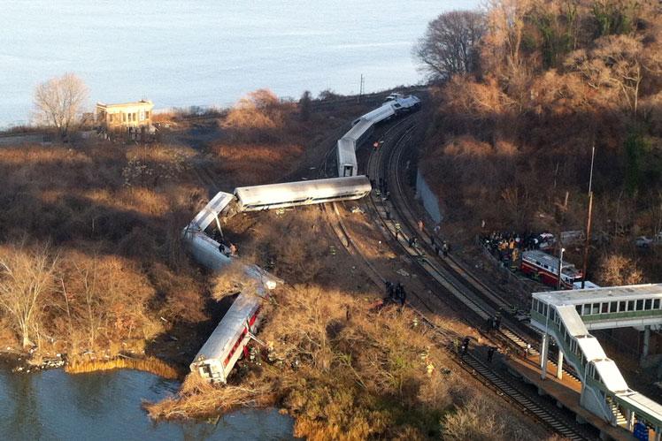 Bronx train derails