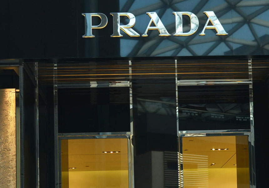 Prada, Gucci stores in Melbourne attacked with sledgehammers.