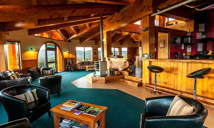 05-Tarkine-Wilderness-Lodge---interior,-Photos-by-Tim-Clark-and-Robert-Garrad-