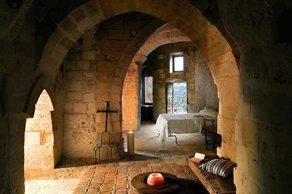 08-Hotel-Sextantio,-Le-Grotte-della-Civita