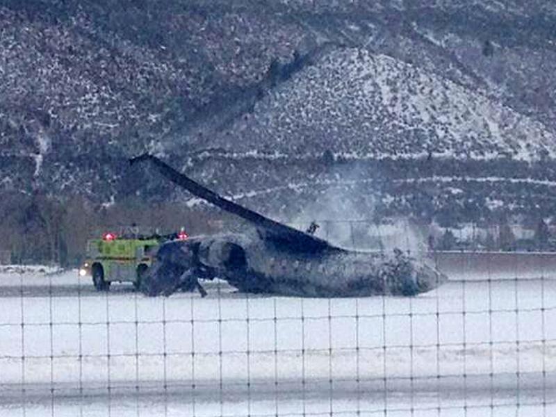 Small jet crashes at Aspen