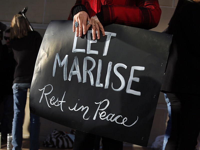 Protesters support Marlise Munoz's right to die