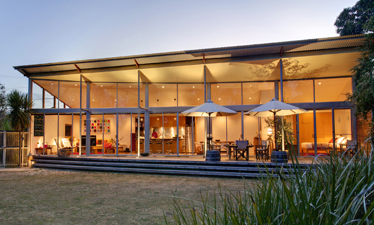 Best luxury getaways in australia the new daily for Beach houses on the east coast