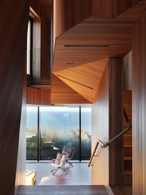Fairhaven-Beach-House-by-John-Wardle-Architects_dezeen_7