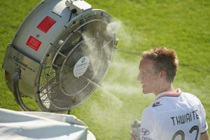 Michael Thwaite of the Glory seeks relief from the Albury heat.