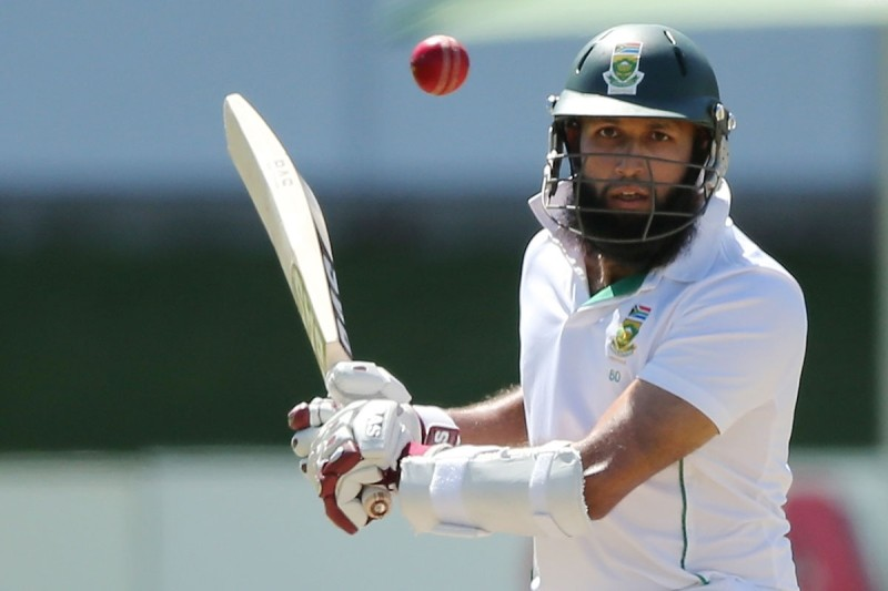Hashim Amla returned to form with an unbeaten 93.