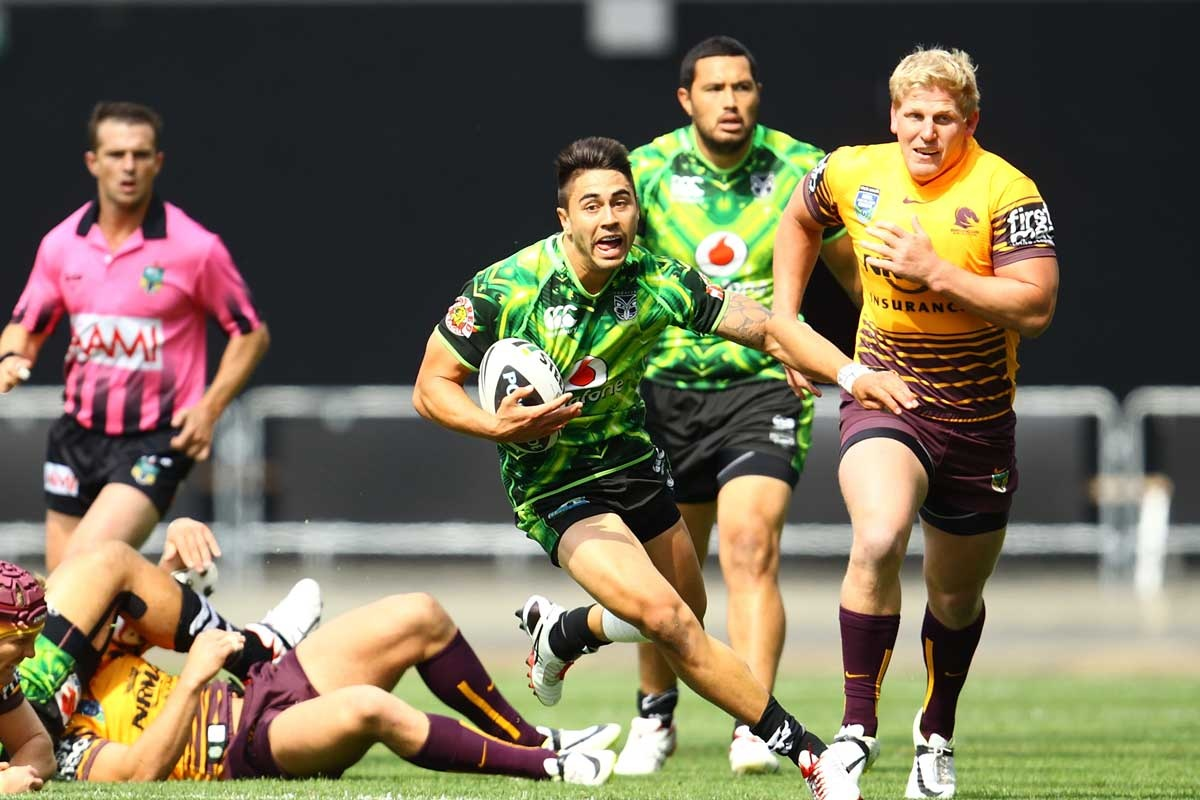 Shaun Johnson shows a clean pair of heels to the opposition.