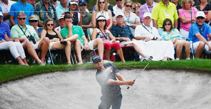 Adam Scott in a pickle on the eighth.