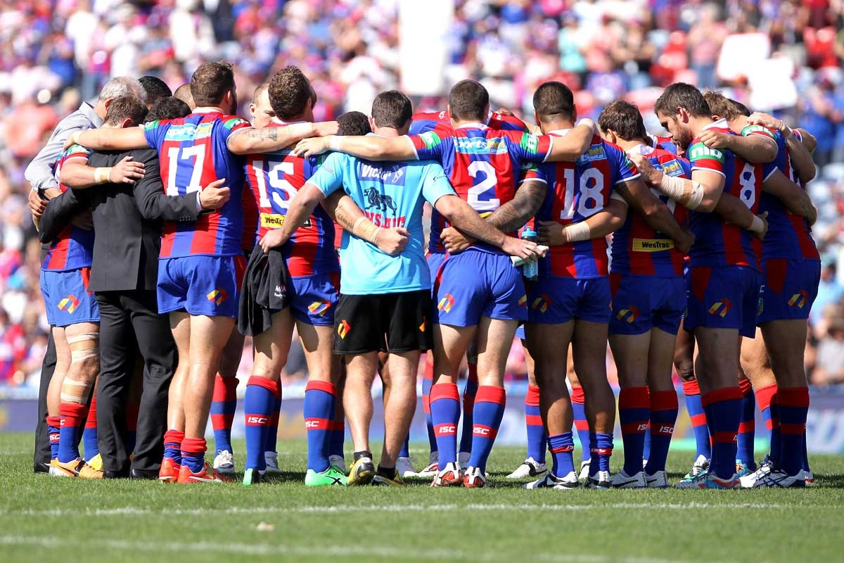 Newcastle players pay tribute to injured teammate Alex McKinnon.