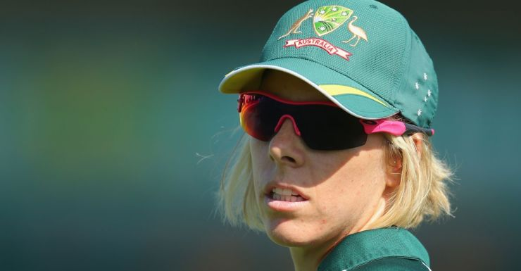 Elyse Villani made 90 not out.