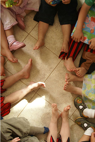 Traditional party games like pass the parcel are making a come-back. Source: ShutterStock.