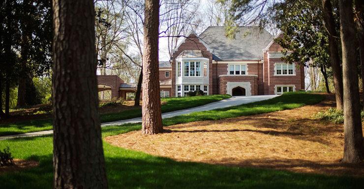 Bishops sells US mansion