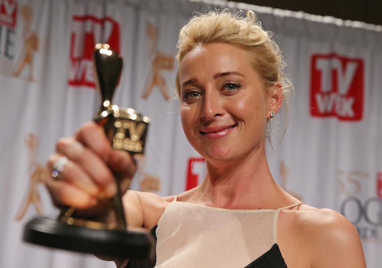 Asher Keddie with her Gold Logie at last year's awards.