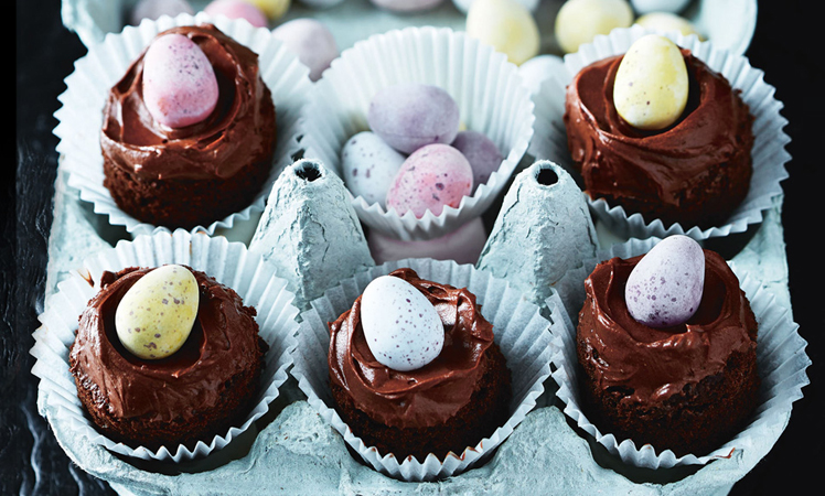 COOKED_easter cooking_chocolate easter egg cakes recipe_748x450