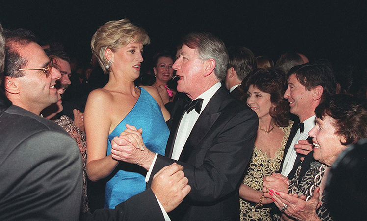 Wran dancing with Princess Di at the Victor Chang Cardiac Research Institute dinner.