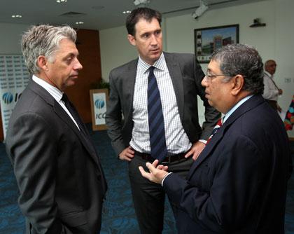 Srinivasan with ICC chief executive David Richardson (L) and Cricket Australia chief James Sutherland (C). Photo: Getty