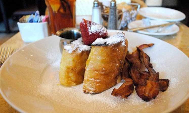 Bruleed French toast.