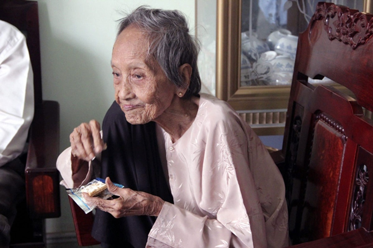 Nguyen Thu Tru is said to have been born in 1893.