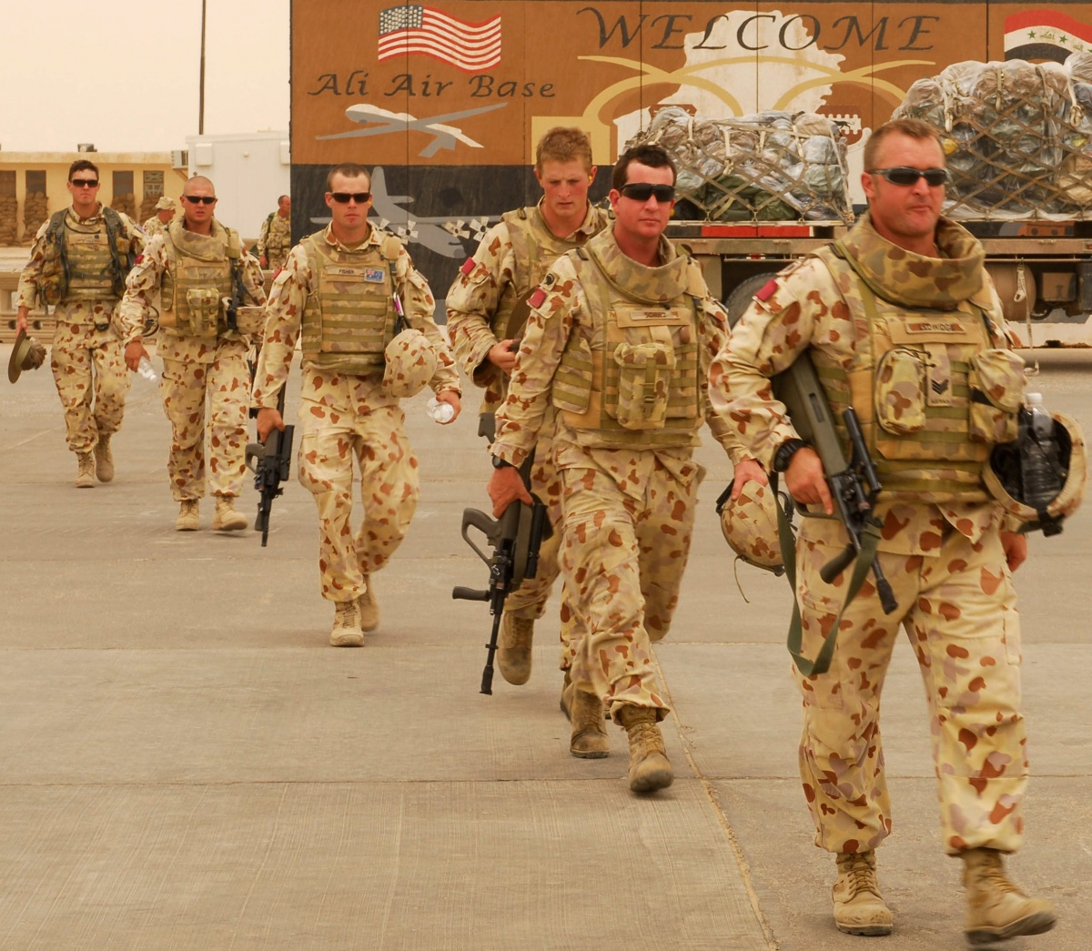 Australian soldiers in Iraq board an aircraft home. Source: AAP.