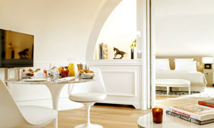 Consider a Parisian suite in September.