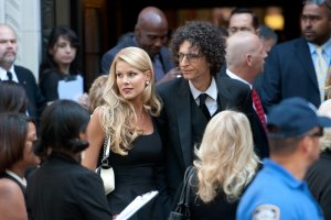 Howard stern and wife beth