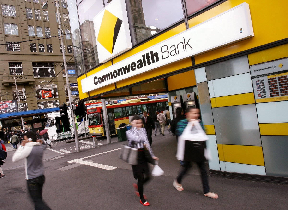Commonwealth Bank hit by lunchtime outage