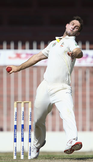 Mitchell Marsh will have his work cut out with the ball. Photo: Getty