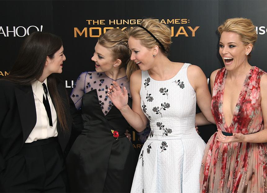 Hunger-Game-UK-premiere-Girls-Laughing