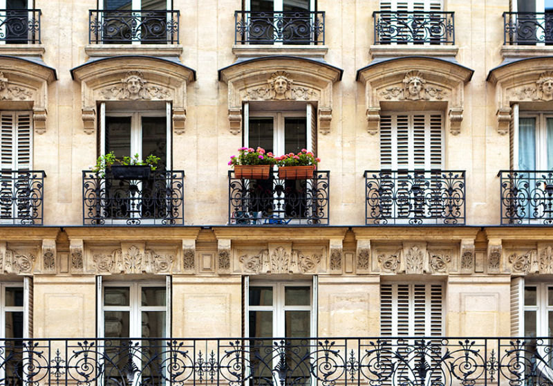 A private Paris apartment - what could go wrong.