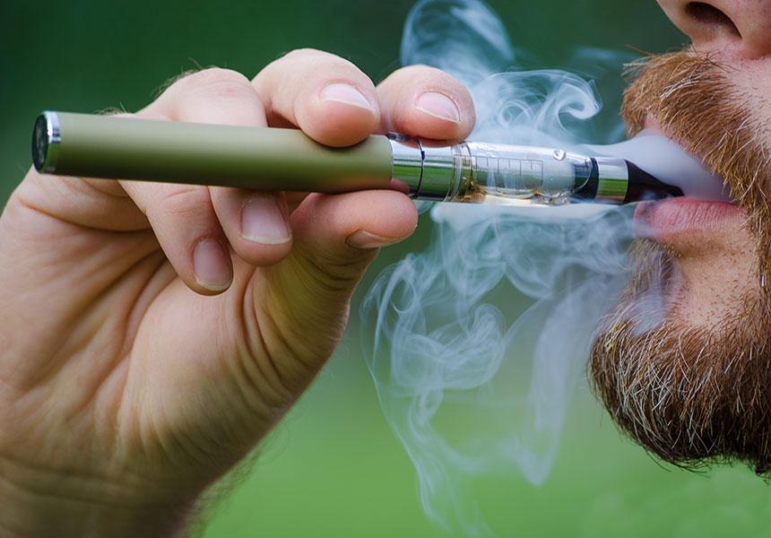 electronic cigarette deaths due to ile ilgili görsel sonucu