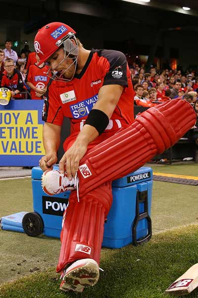 Aaron Finch suits up. Photo: Getty