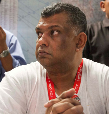 air asia with tony fernandes The humorous story of air asia's tony fernandes and his beer story gone viral is a good read for all malaysians who would enjoy a good laugh it shouldn't be a doubt that all of us, especially malaysians would recognize the business man tony fernandes himself and his globally known airline company, airasia.