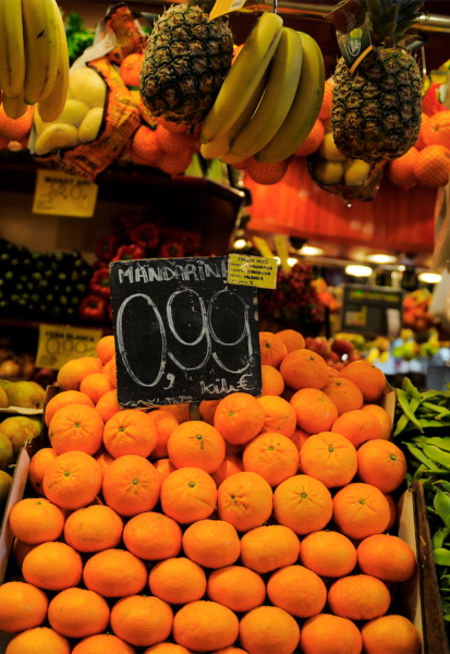 Are fresh food markets a better option than the big supermarkets? Photo: Getty.