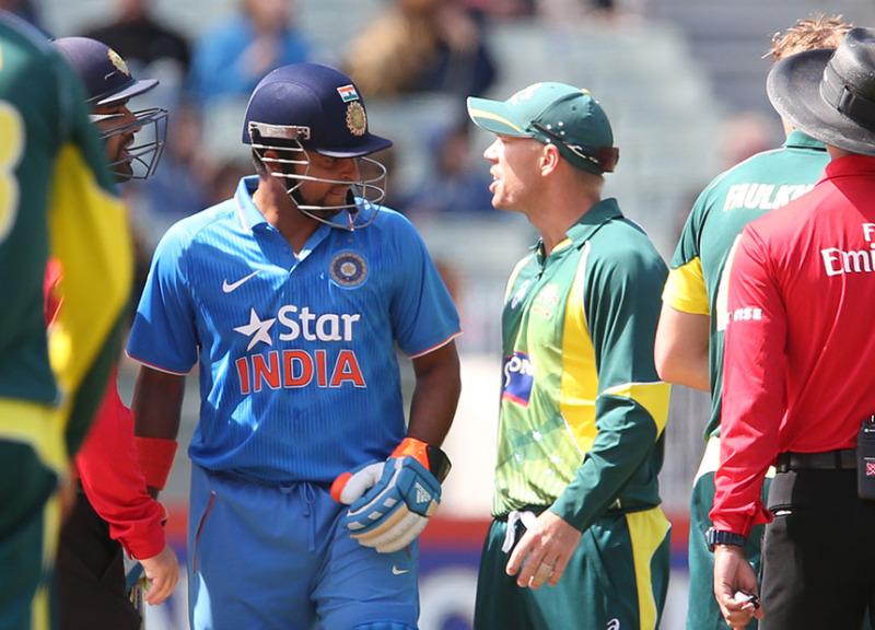 David Warner sledges Rohit Sharma.