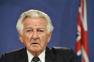 Bob Hawke says Labor has all the momentum