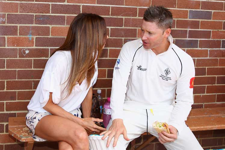 Mr and Mrs Clarke enjoy a spot of lunch at Chatswood Oval on Saturday. Photo: Getty