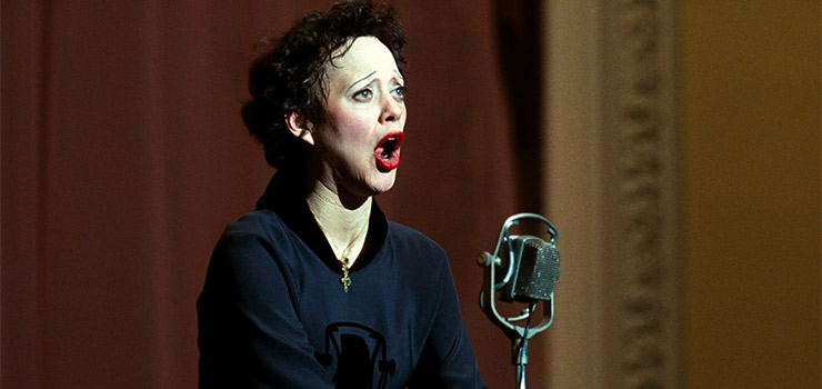 Marion Cottilard made her international name as one of the best actresses in history for her spine tingling turn as Edith Piaf in la Vie En Rose.