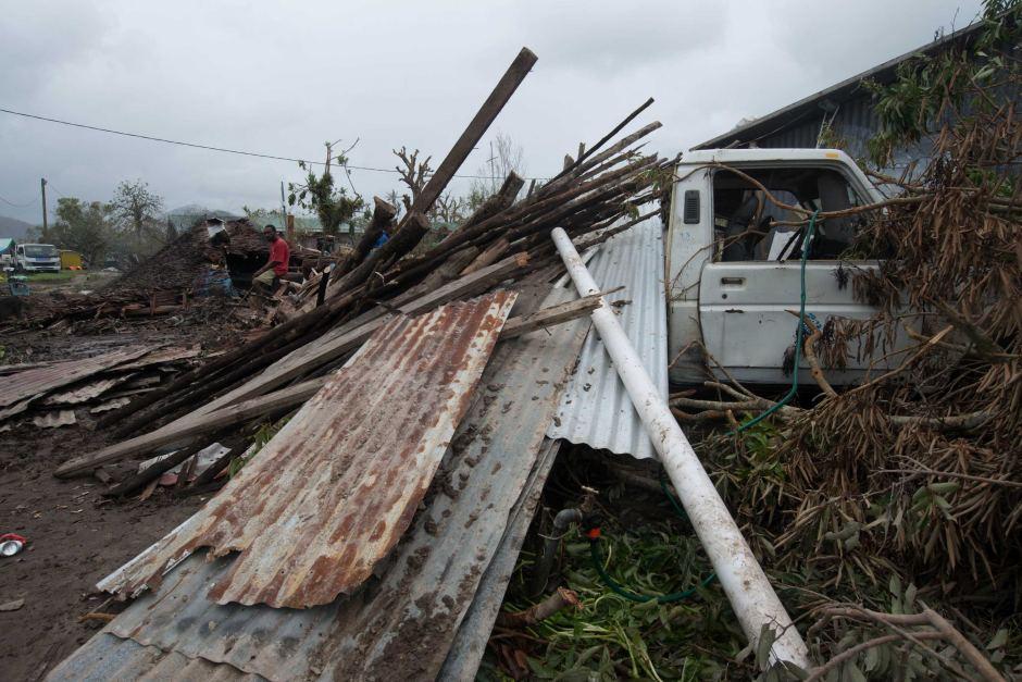 Australia sends more assistance to Vanuatu in wake of Cyclone Pam