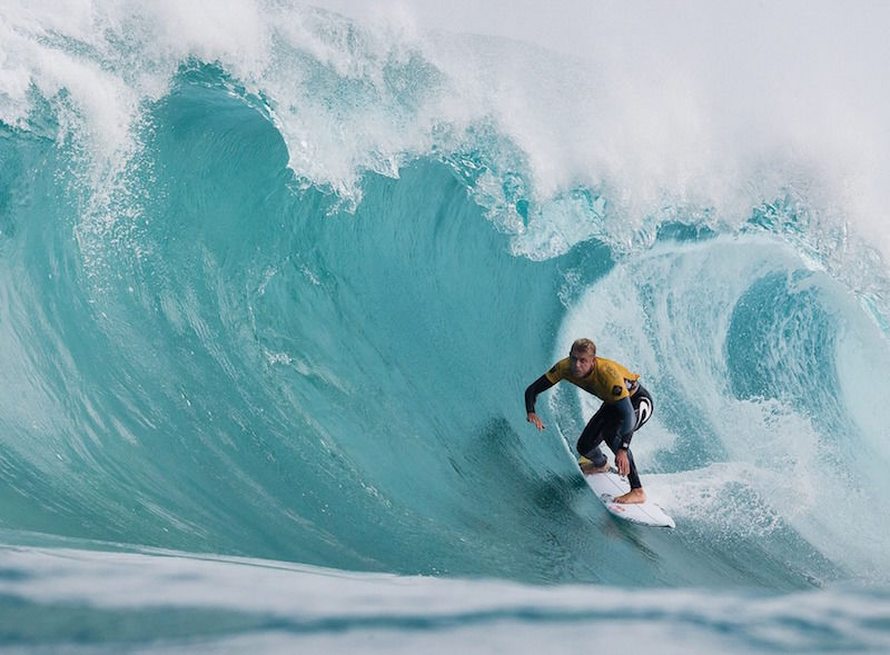 thenewdaily_160415_surf1
