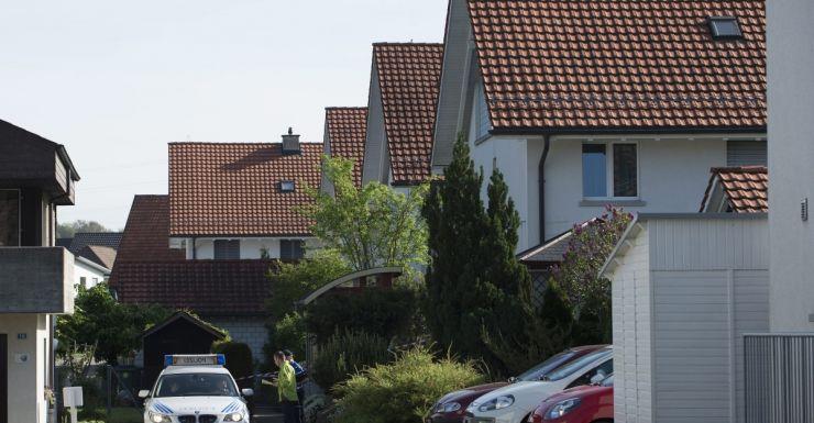 Police investigate the Wuerenlingen property, shooting switzerland