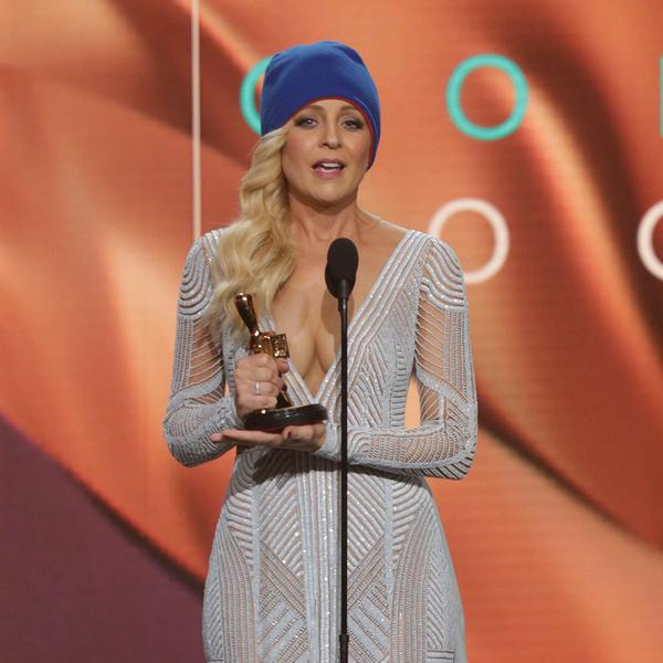 Carrie Bickmore whipped out a blue beanie to raise awareness for brain cancer. Photo: Twitter TV Week.