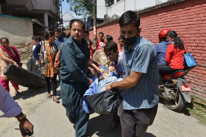 Patients are being evacuated from hospitals in Kathmandu following the earthquake. Photo: Getty.