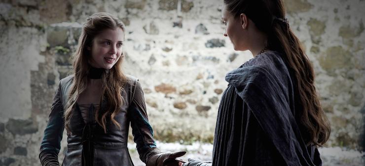 Myranda does her best to make Sansa feel ill at ease.